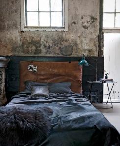 leer-zwart-slaapkamer-bruin-beton-industrieel